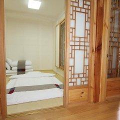 Отель Irang Hanok Guesthouse Южная Корея, Сеул - отзывы, цены и фото номеров - забронировать отель Irang Hanok Guesthouse онлайн комната для гостей фото 4