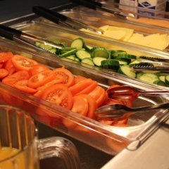 Отель Tikkurila Финляндия, Вантаа - отзывы, цены и фото номеров - забронировать отель Tikkurila онлайн питание фото 3