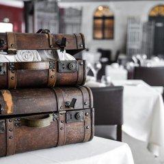 Hotel The Originals Domaine des Thômeaux (ex Relais du Silence) питание фото 2