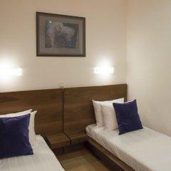 Дизайн-отель Brick 4* Улучшенный номер с 2 отдельными кроватями