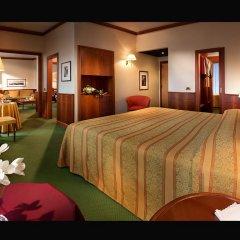 Отель Cavour 4* Люкс