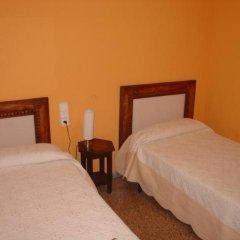 Отель Hostal Restaurante Arasa Стандартный номер с 2 отдельными кроватями фото 7