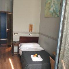 Отель Hostal La Plata Стандартный номер с различными типами кроватей фото 3