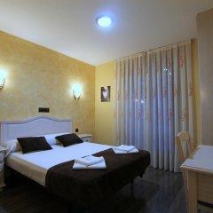 Отель Hostal Regio Стандартный номер с двуспальной кроватью фото 12