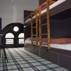 Отель Tartan Lodge Кровать в женском общем номере с двухъярусной кроватью фото 9