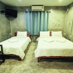 Отель At smile house 2* Стандартный семейный номер с двуспальной кроватью фото 3