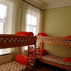 Play Hostel Кровать в общем номере фото 13