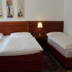 Отель Amadeus Pension 3* Стандартный номер с различными типами кроватей фото 3
