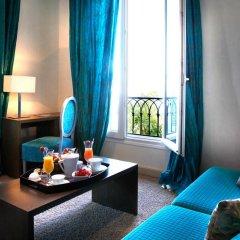 Hotel La Pérouse Nice Baie des Anges в номере