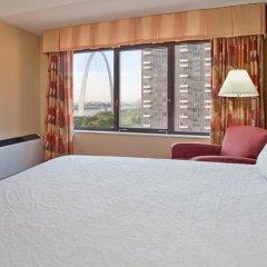 Отель Hampton Inn Gateway Arch Downtown 3* Стандартный номер с различными типами кроватей фото 8