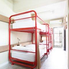D Hostel Bangkok Кровать в общем номере с двухъярусной кроватью фото 4