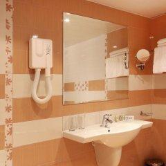 Отель Interhotel Cherno More 4* Улучшенный номер с различными типами кроватей фото 5