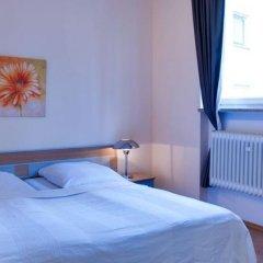 Отель Am Sendlinger Tor 3* Кровать в общем номере фото 11