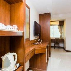 Green Harbor Patong Hotel 2* Стандартный номер двуспальная кровать фото 13