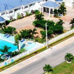 Отель Holiday Haven бассейн фото 3
