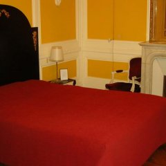 Отель Windsor Home сейф в номере