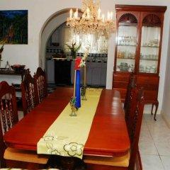 Отель Mango Tree Peaceful Pension питание
