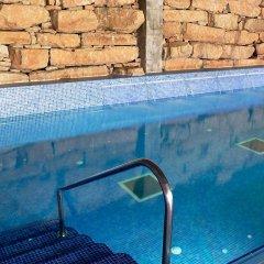 Отель Balneario Rocallaura Вальбона-де-лес-Монжес бассейн