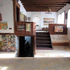 Отель Art house Болгария, Смолян - отзывы, цены и фото номеров - забронировать отель Art house онлайн интерьер отеля фото 2