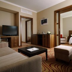 Новосибирск Марриотт Отель 5* Улучшенный люкс с различными типами кроватей
