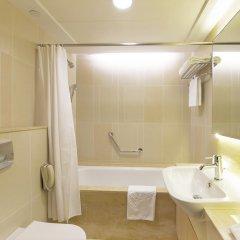 Отель The Salisbury - YMCA of Hong Kong ванная