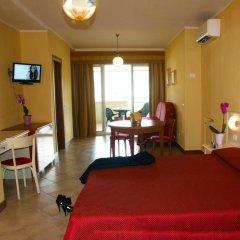 Отель Residence Miralago Rooms & Apartments Италия, Манерба-дель-Гарда - отзывы, цены и фото номеров - забронировать отель Residence Miralago Rooms & Apartments онлайн комната для гостей фото 3