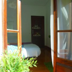 Отель Alfama 3B - Balby's Bed&Breakfast Стандартный номер с 2 отдельными кроватями (общая ванная комната) фото 17