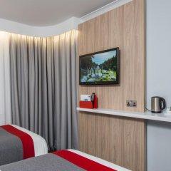 Отель Holiday Inn Express London Luton Airport 3* Стандартный номер с различными типами кроватей