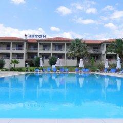 Отель Kalives Resort бассейн фото 3