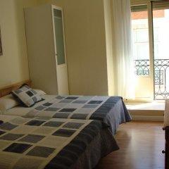 Отель Hostal Riesco Стандартный номер с различными типами кроватей фото 4