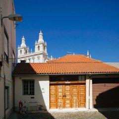 Отель Traveling To Lisbon Alfama Apartments Португалия, Лиссабон - отзывы, цены и фото номеров - забронировать отель Traveling To Lisbon Alfama Apartments онлайн парковка
