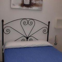 Отель Hostal Nevot Стандартный номер с различными типами кроватей фото 13