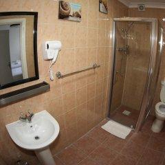 Отель Heathrow Inn Лондон ванная