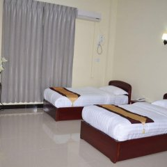 Lashio Galaxy Hotel 2* Номер Делюкс с различными типами кроватей фото 3