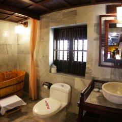 Vinh Hung Heritage Hotel 2* Люкс повышенной комфортности с различными типами кроватей фото 4