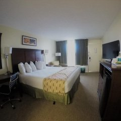 Отель Days Inn by Wyndham Frederick комната для гостей фото 2