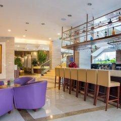 Отель Holiday Inn Shanghai Hongqiao Central гостиничный бар