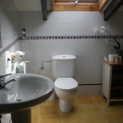 Отель Posada La Pedriza Испания, Лианьо - отзывы, цены и фото номеров - забронировать отель Posada La Pedriza онлайн ванная фото 2