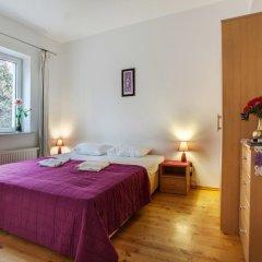 Гостиница Вилла Онейро 3* Номер с общей ванной комнатой с различными типами кроватей (общая ванная комната) фото 6