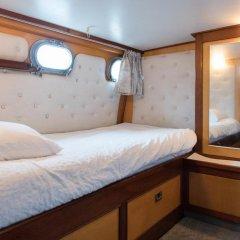 Отель Authentic Houseboats Amsterdam Нидерланды, Амстердам - отзывы, цены и фото номеров - забронировать отель Authentic Houseboats Amsterdam онлайн комната для гостей