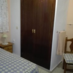 Отель Pensión Javier 2* Стандартный номер с различными типами кроватей (общая ванная комната) фото 3
