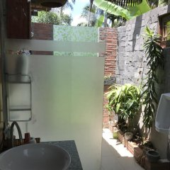 Отель Charming Countryside Homestay ванная