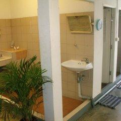 Отель Taewez Guesthouse Бангкок ванная фото 2