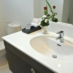 Отель FuramaXclusive Asoke, Bangkok Таиланд, Бангкок - отзывы, цены и фото номеров - забронировать отель FuramaXclusive Asoke, Bangkok онлайн ванная