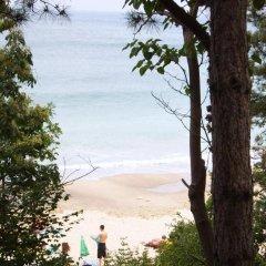 ADIS Holiday Inn Hotel пляж