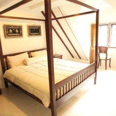 Отель 39 Living Bangkok сейф в номере