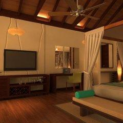 Отель Kudafushi Resort and Spa удобства в номере