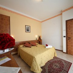 Отель Clitunno Италия, Римини - отзывы, цены и фото номеров - забронировать отель Clitunno онлайн комната для гостей фото 3