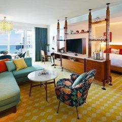 Отель The Confidante - in the Unbound Collection by Hyatt 4* Люкс с различными типами кроватей