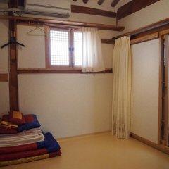 Отель Gaonjae Hanok Guesthouse Южная Корея, Сеул - отзывы, цены и фото номеров - забронировать отель Gaonjae Hanok Guesthouse онлайн ванная фото 2